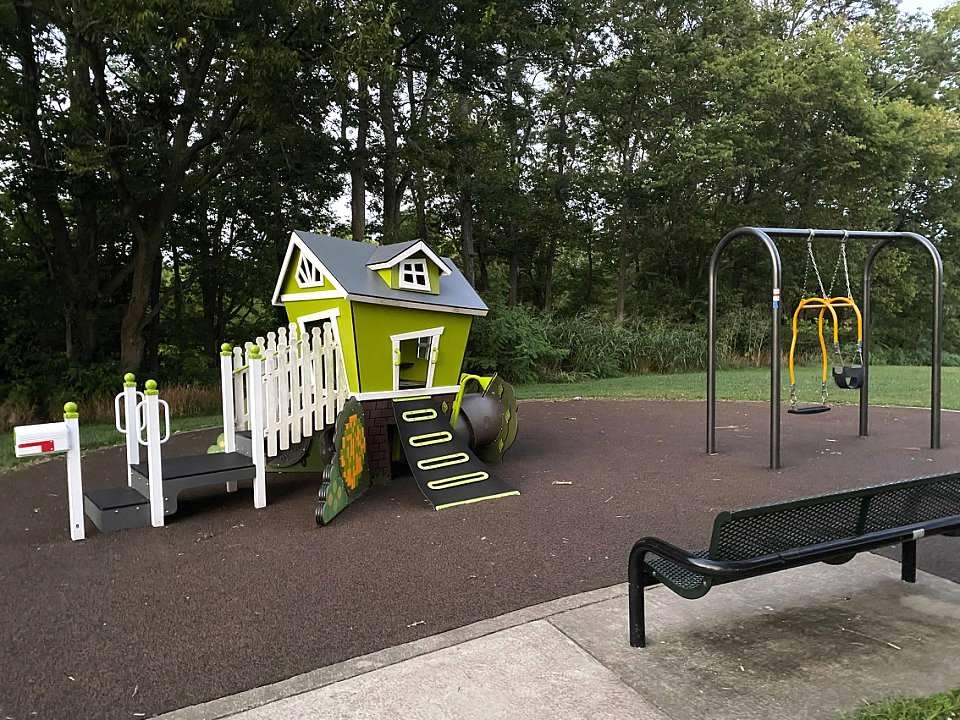Veterans Park Small Playground